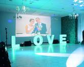 foto 3D LOVE  svetelný nápis na svadbe L+L v Hotel Lesnik, Turčianske Teplice od DJ Maroš Chvojka 0905 499 171
