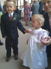 Karolínka se svým bratrancem Patričkem