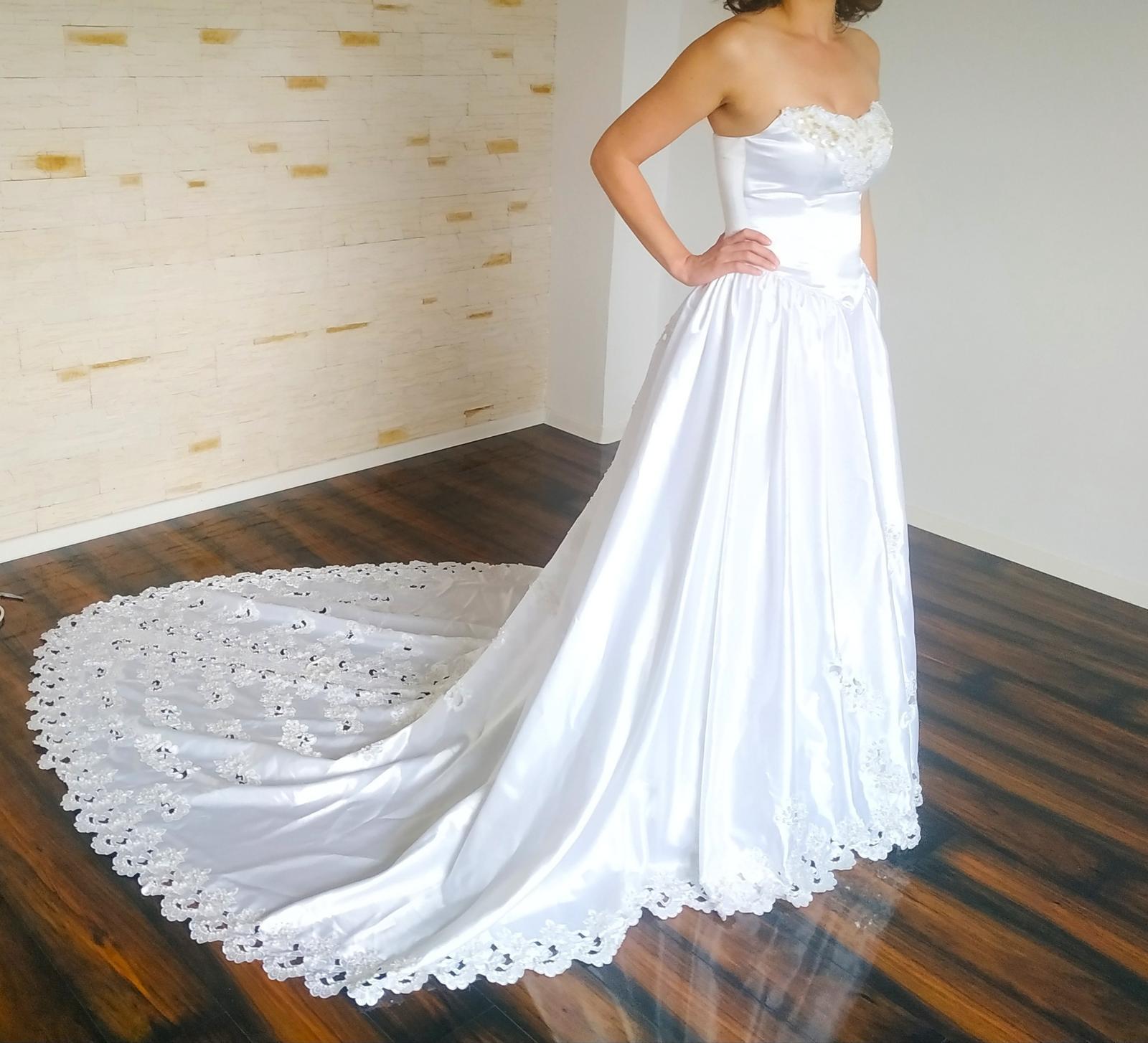Šaty s vlečkou - Obrázok č. 1