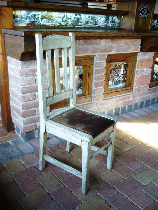 Vintage - nová patinovaná stolička