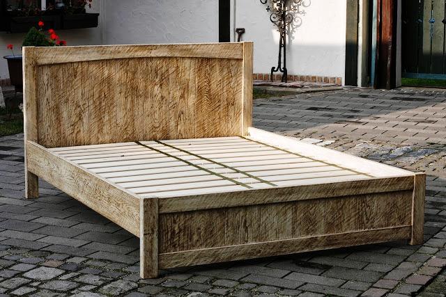 Vintage - dubová posteľ