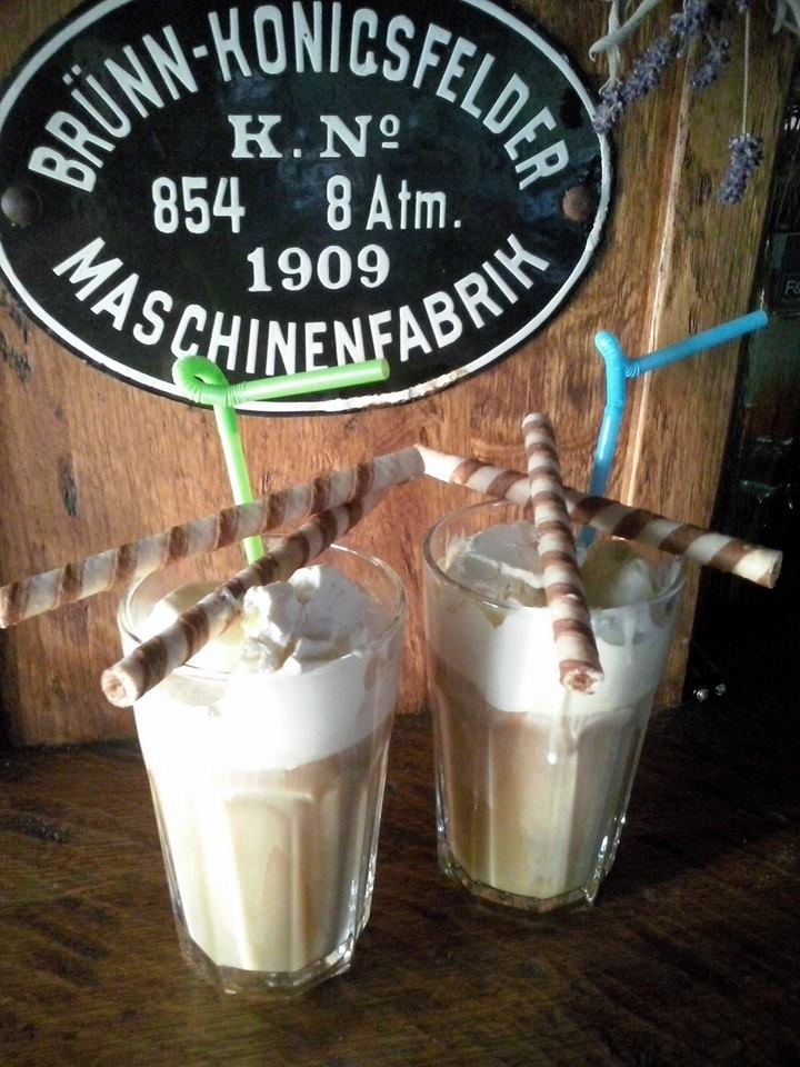 Miloslavova zem - ladova kava so zmrzlinou v MZ