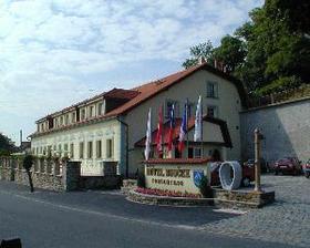 Svatební hostina bude v Hotelu Bouček v Mochově