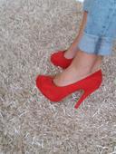 červené topánky, 37
