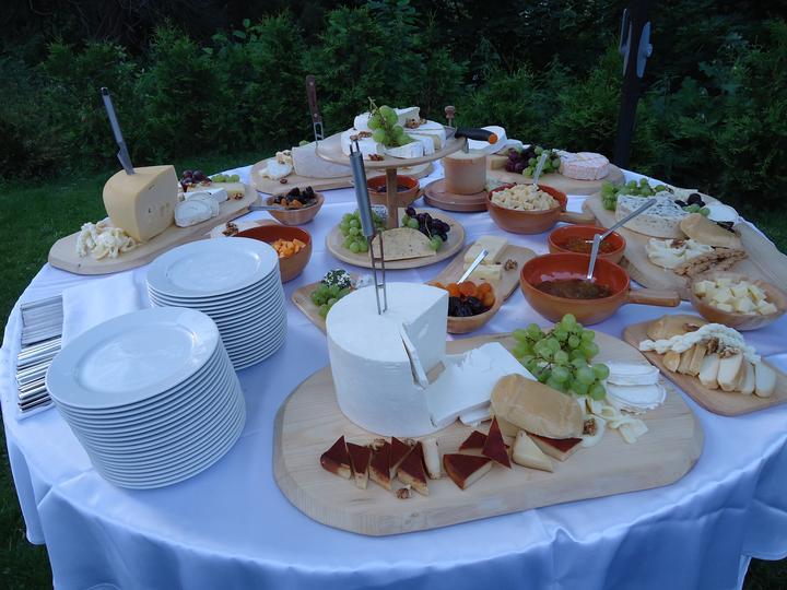 damhotel - Syrový stôl