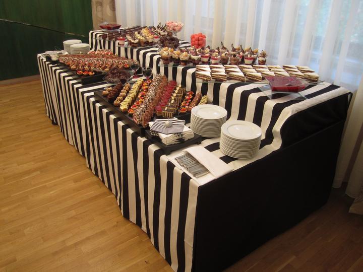 damhotel - Sladký stôl