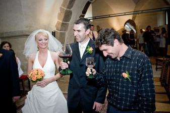 DČ - Kdo dopije z poháru, bude v manželství pánem