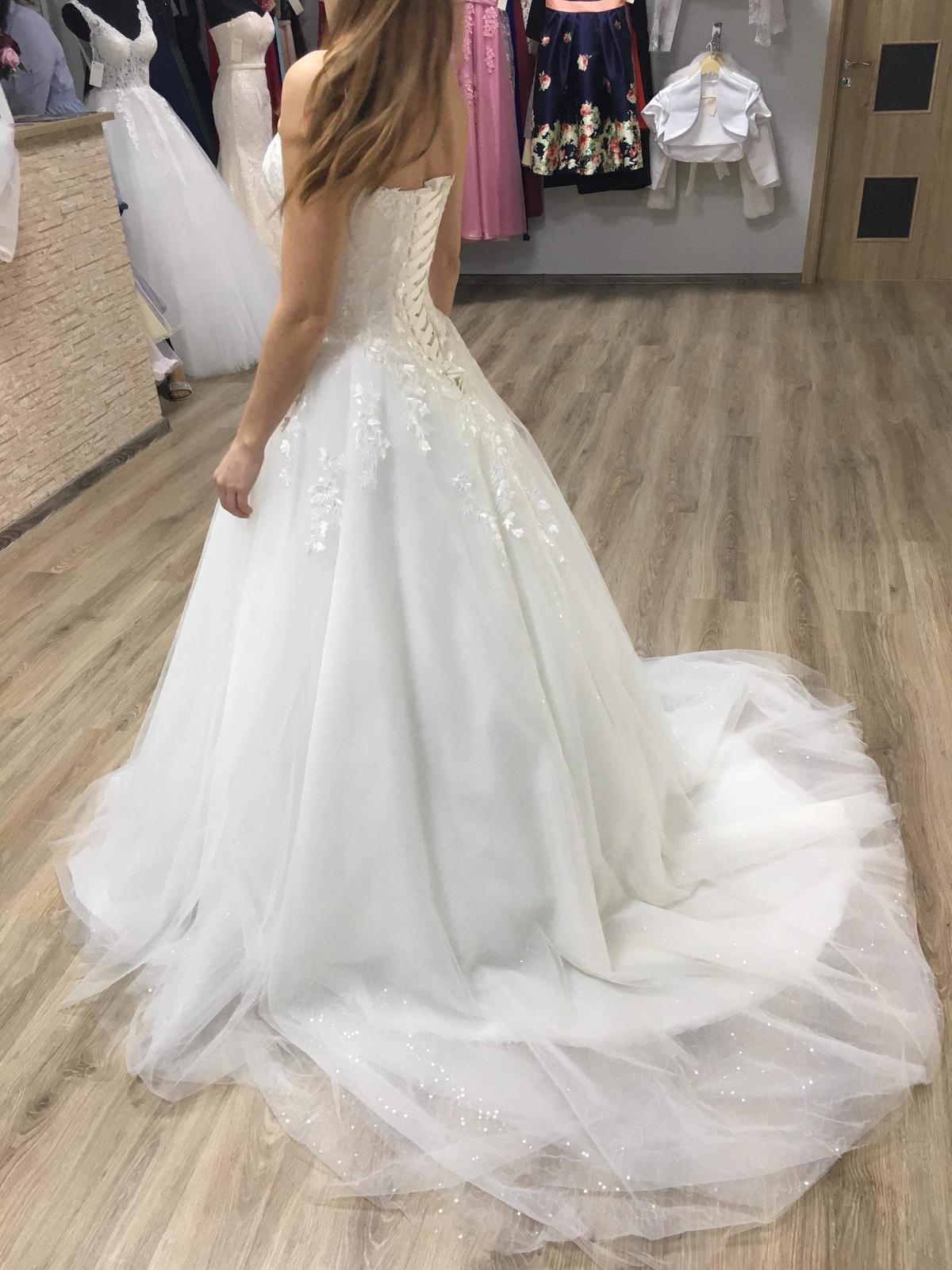 Svadobné šaty anglickej značky Hadassa 1x oblečené - Obrázok č. 4