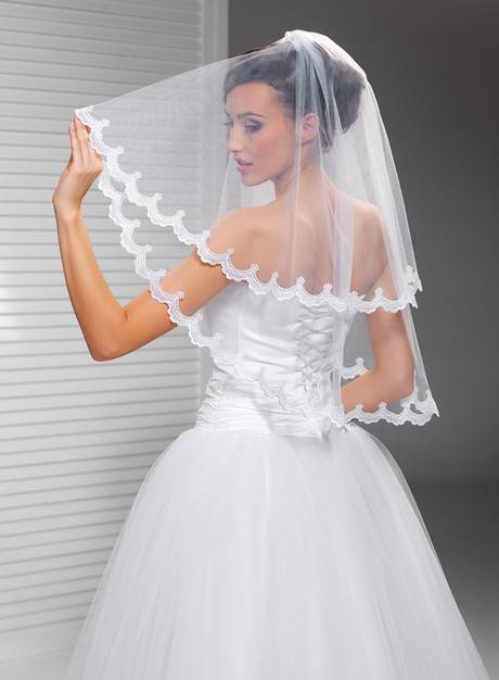 svatební závoj, krajka - Obrázek č. 1