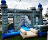 Nabízíme i pronájem skákacích hradů pro Vaše děti na svatbě
