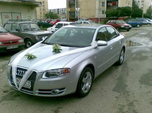 a toto je naše svadobné autíčko!