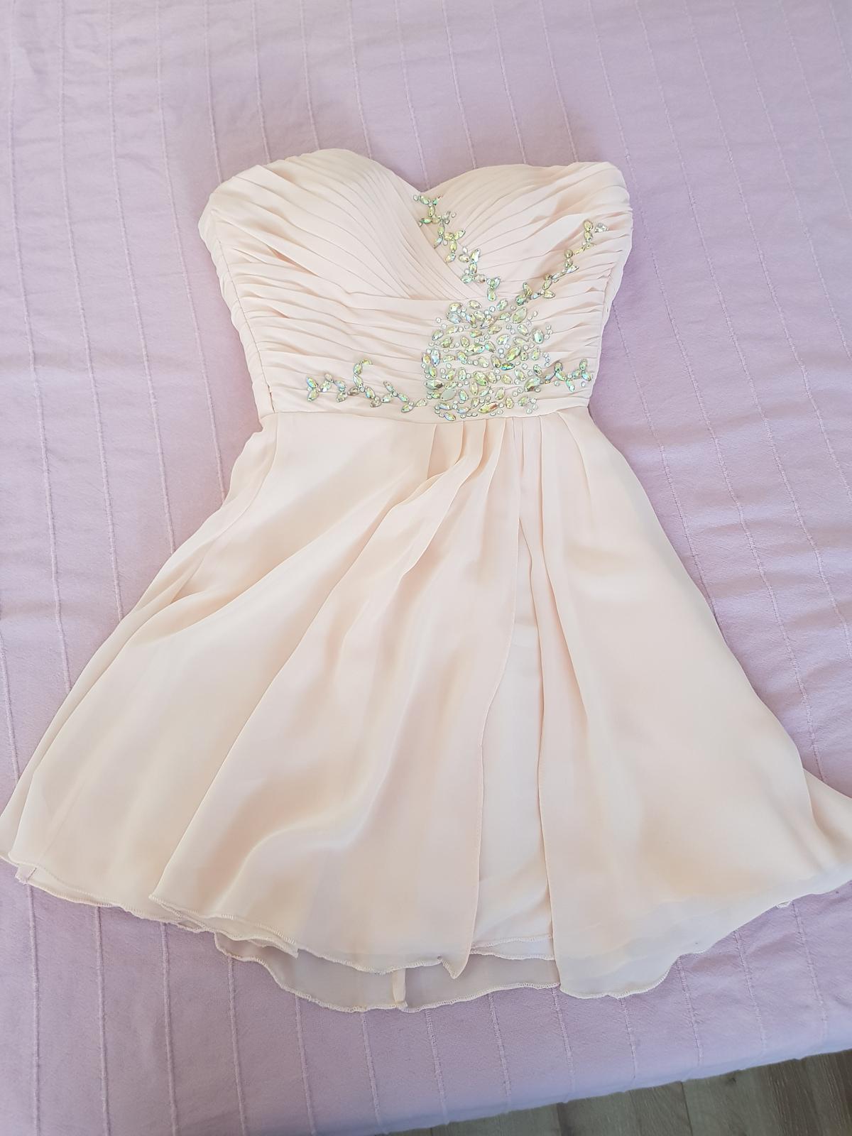 Šaty na šnúrovanie - Obrázok č. 1
