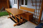 Stůl a lavice s úložným prostorem,