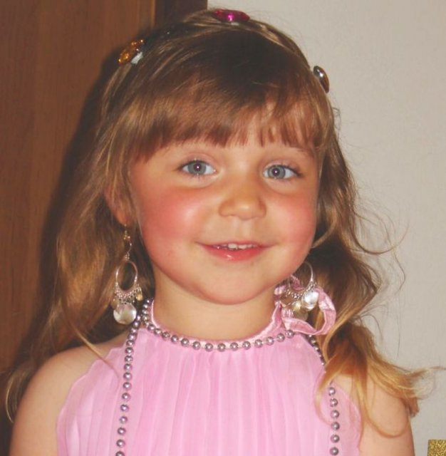 Už o tri dni bude sobota 4.10.2008 - moje srdiečko Lili bude prvá družička