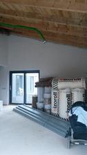 další část obývacího pokoje