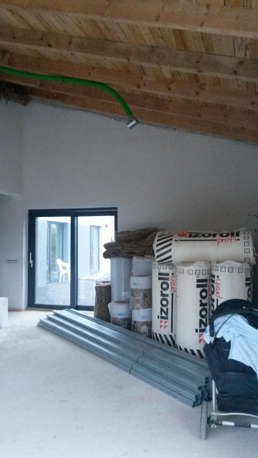 Domeček - další část obývacího pokoje
