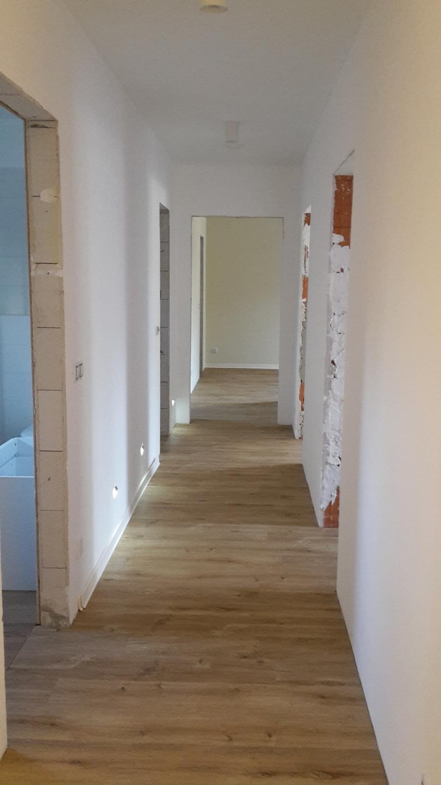 Domeček - chodba  k pokojům, koupelnám, šatnám