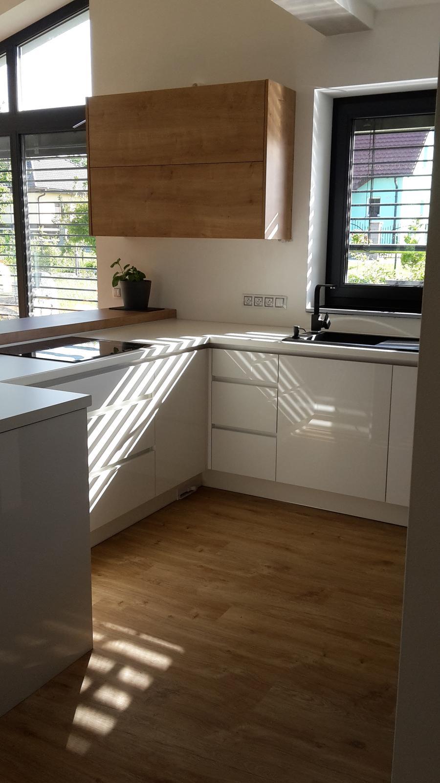 Domeček - Ještě jednou kuchyně, tentokrát  z druhé strany ☺