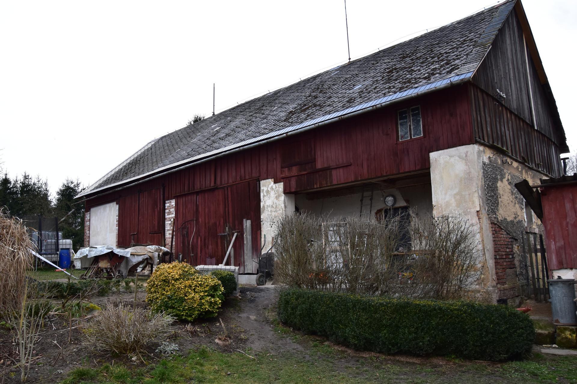 Tak dnes začínáme s přestavbou stodoly . - Obrázek č. 1