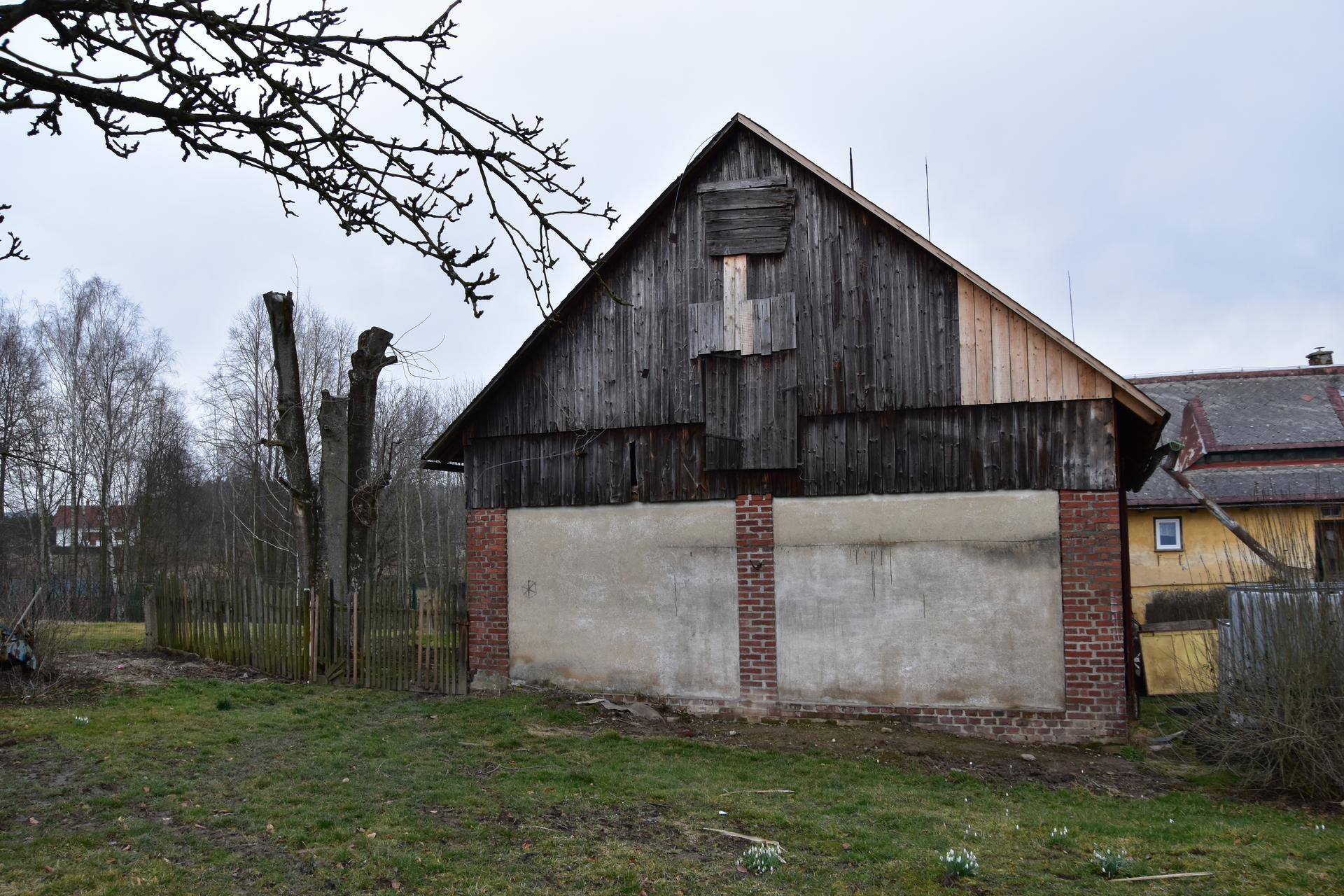 Tak dnes začínáme s přestavbou stodoly . - Obrázek č. 2