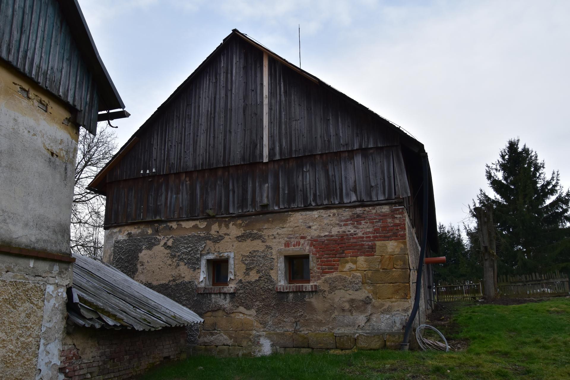 Tak dnes začínáme s přestavbou stodoly . - Obrázek č. 3