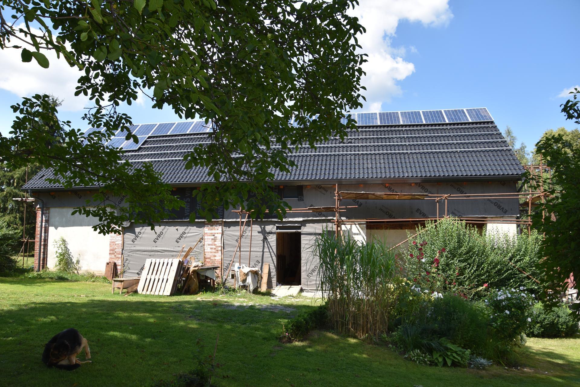 Na ranči u Štěpána začínáme z montáží fotovoltaických panelů. - Obrázek č. 1