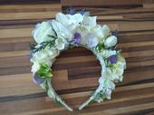 Čelenka/parta biela s jemnou Ivory a fialovou,