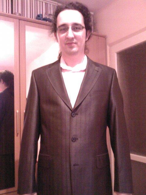 Tom+ola - už máme aj oblek :D