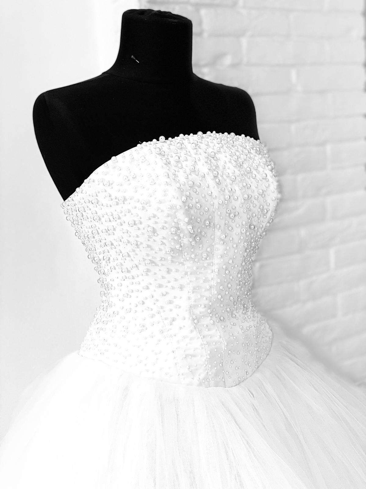 svatební saty bílé - Obrázek č. 1