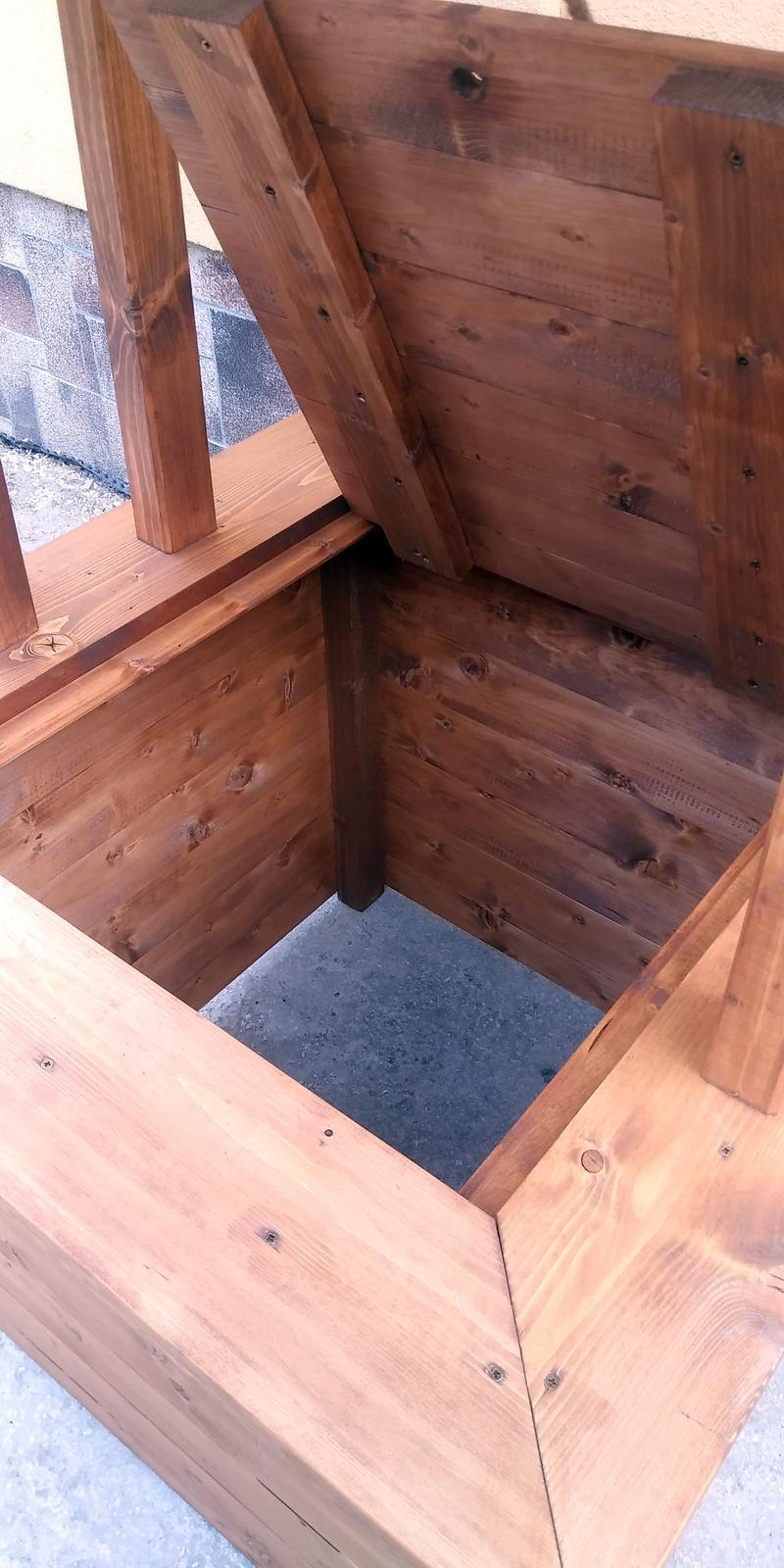 Drevená studňa,okrasná studnička - Obrázok č. 3