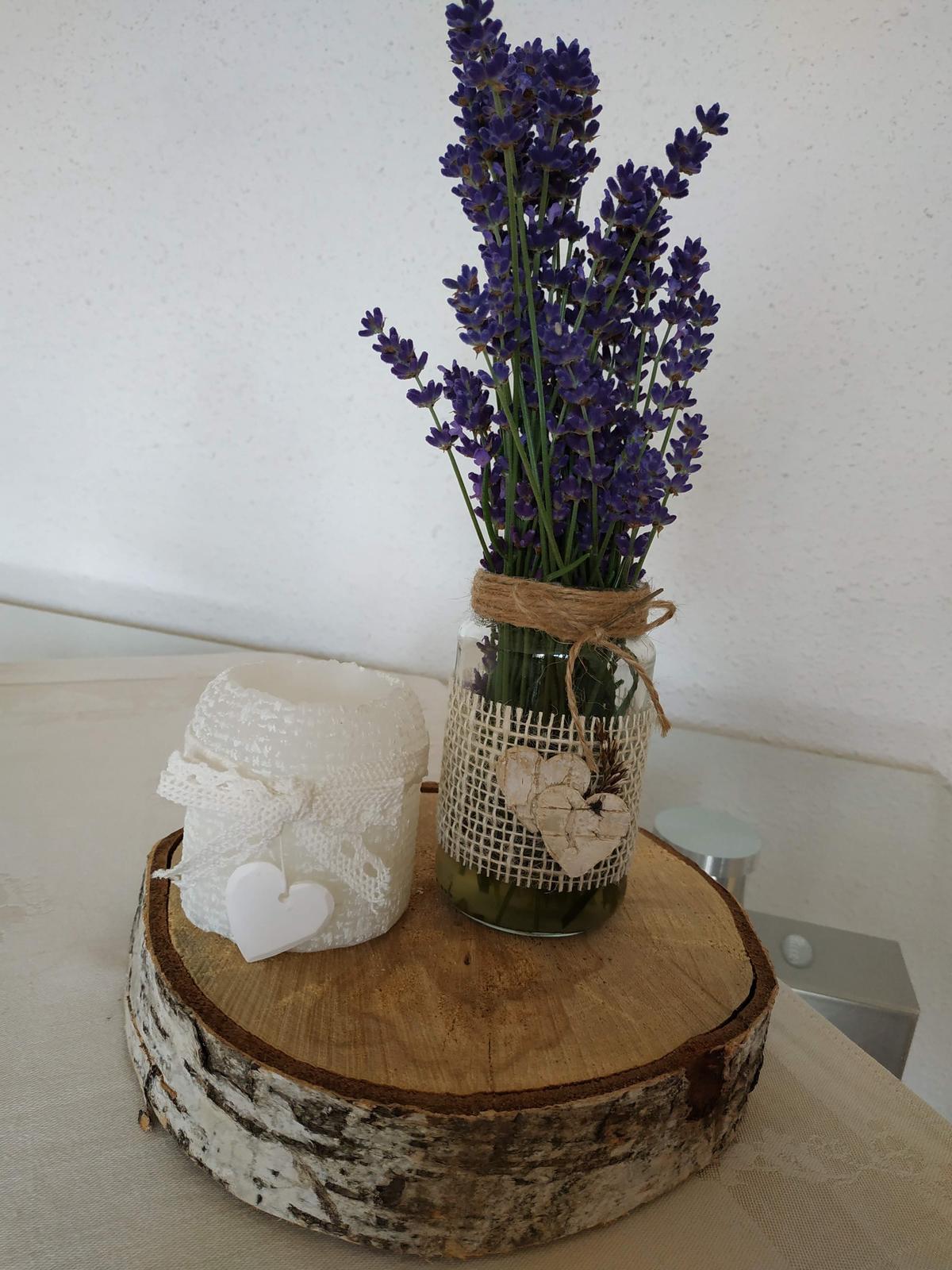 Přírodní dekorace- dřevěné kulatiny - Obrázek č. 1
