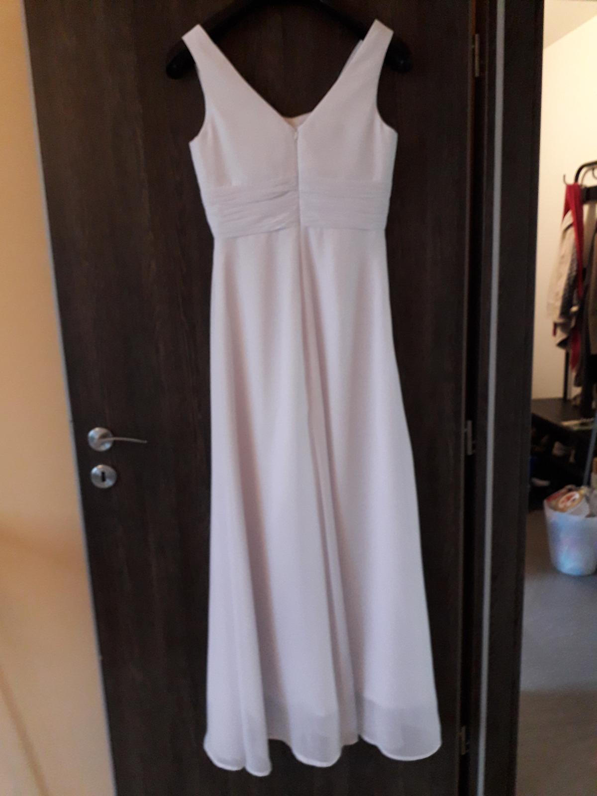 Jednoduché svatební šaty - Obrázek č. 2
