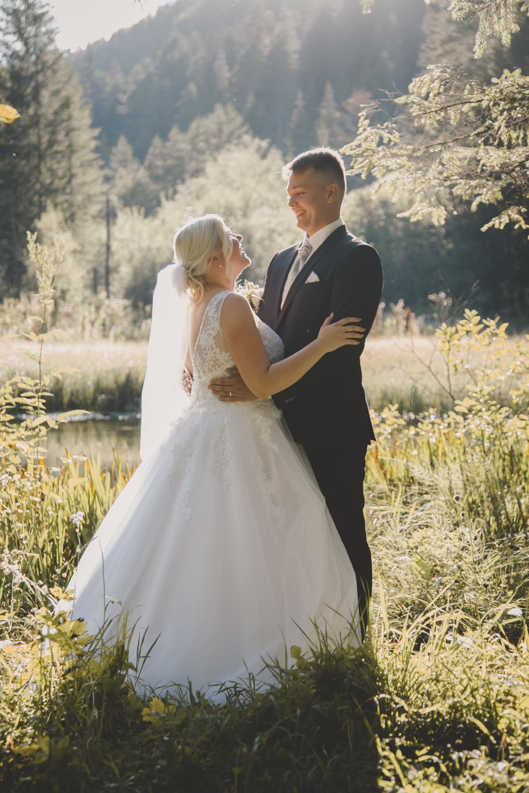 Svadobné šaty - Obrázok č. 1