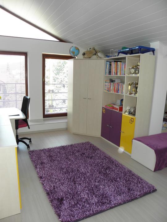 Kompletná rekonštrukcia nášho bytu - druhá detská izba - dcéra si vybrala túto kombináciu farieb