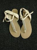 Bílé sandálky s kamínky, 36