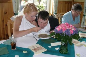 polévka s játrovými knedlíčky... jak jinak!