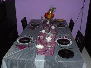 vianočné prestretý stôl