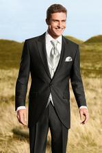 oblek, který jsme vybrali ženichovi :)