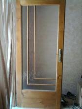 Dvere do spálne, také isté, ale bez skla, sa vyrábajú do špajze..