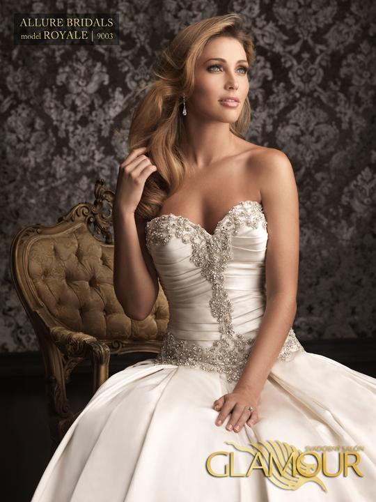 Nová kolekcia 2013 v salón Glamour - Allure Bridals model Royale   9003 farba: white veľkosť: 34/36/38