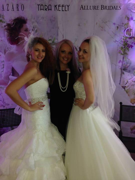 Výstava Svadba 2014 Kosice - Allure Bridals model Janessa | C265 (vľavo) a Allure Bridals model Gisselle | 9055 (vpravo)