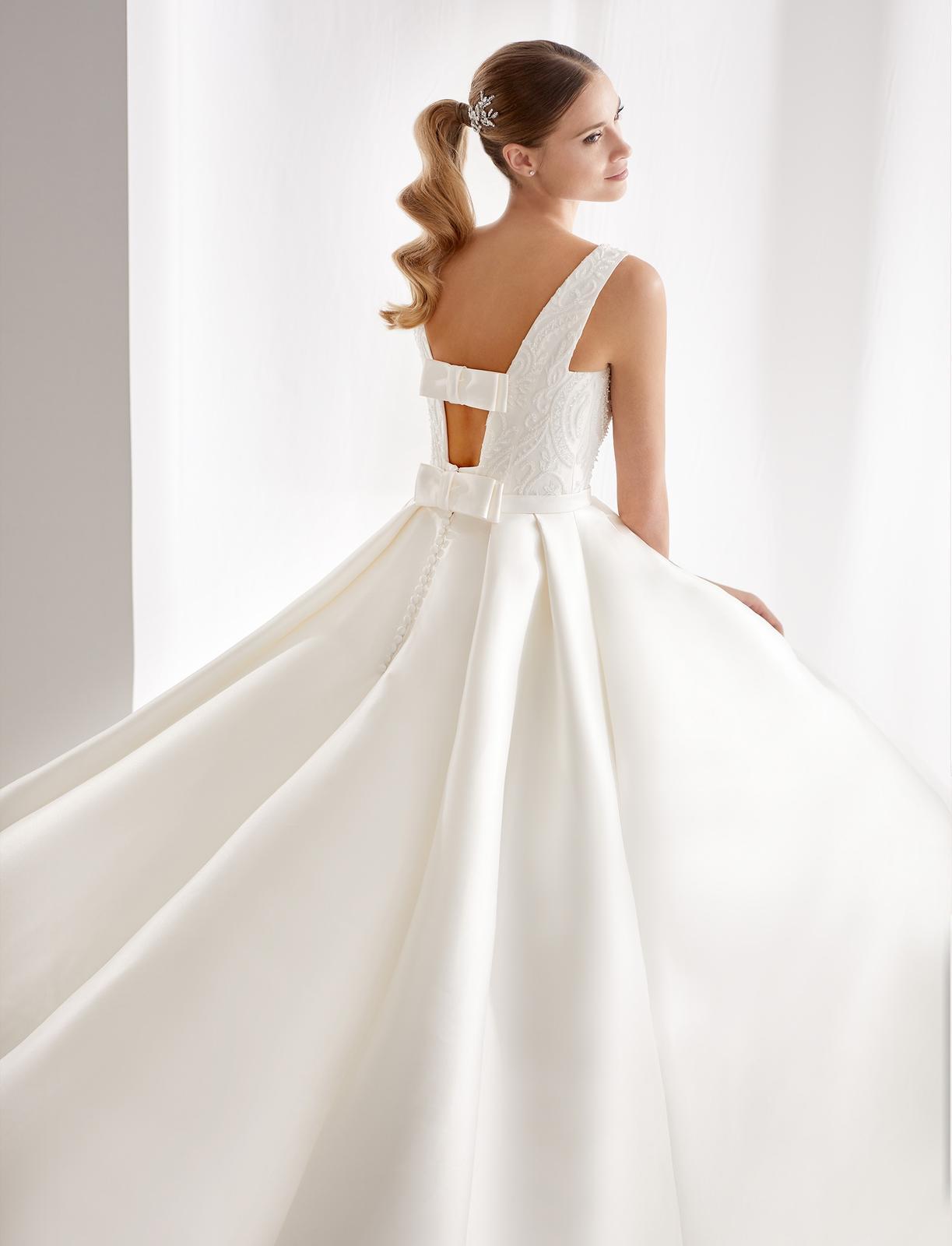 Svadobný salón GLAMOUR OF ANGELS - Ciara