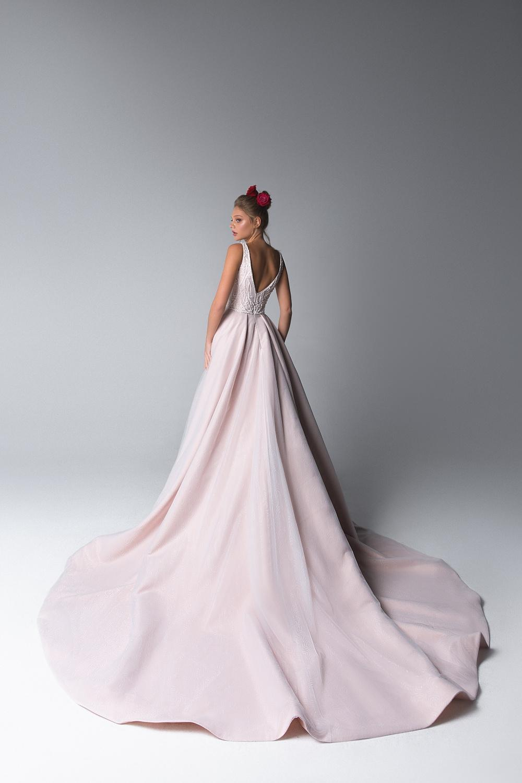 Svadobný salón GLAMOUR OF ANGELS - KOLEKCIA 2020 Luchia dostupna v Ivory aj Baby Pink (ako na foto)
