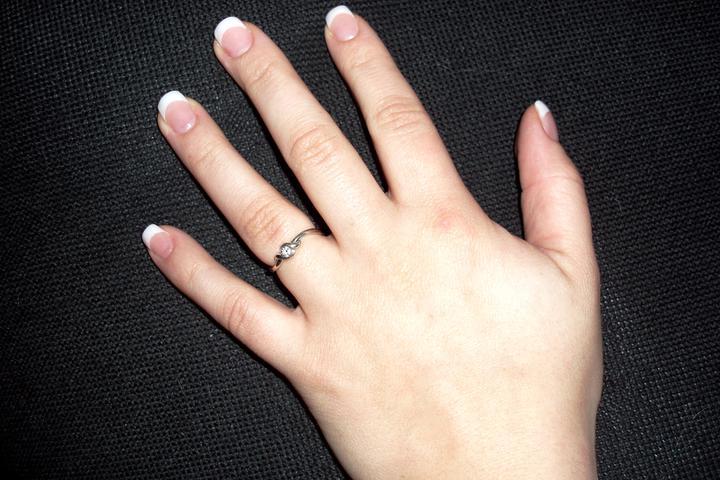 ... už sa to blíži ... 2.júl 2011 :-)))) - snubny prsten ;-)