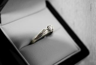 zásnubní prstýnek II