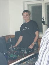 náš DJ :))