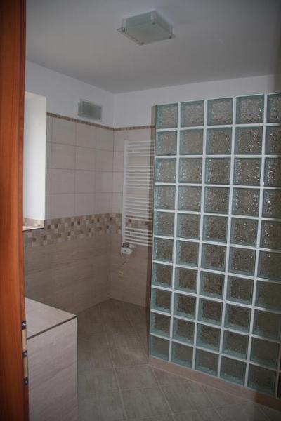@kaeth01 Přikládám fotky sprcháče,... - Obrázek č. 1