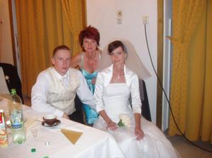 s maminkou nevesty