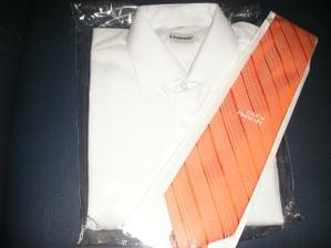 ... košela aj s kravatou