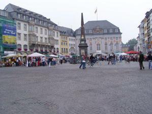 Asi tri dny pred svatbou jsme zakotvili v jednom malebnem meste v NRW...